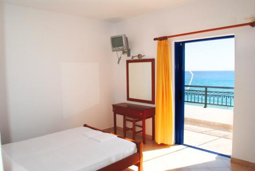 Pelagos Rooms image3