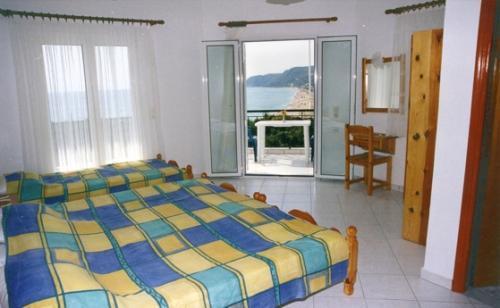 Panorama Vrachos image1